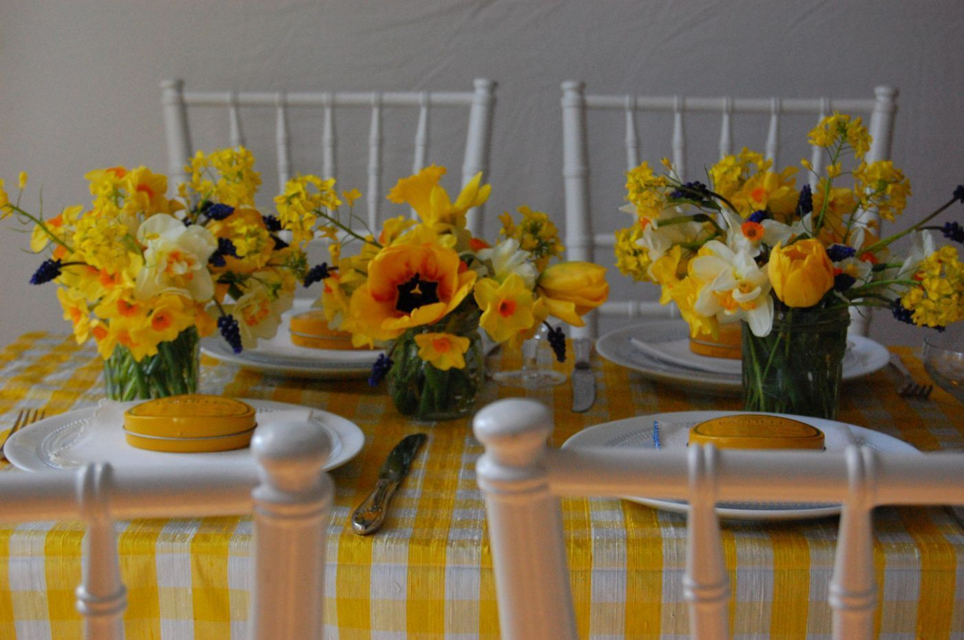 DIY Daffodil Wedding Brunch