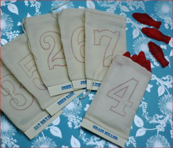 diy favor bag place cards If you 39re working with a tight budget why not