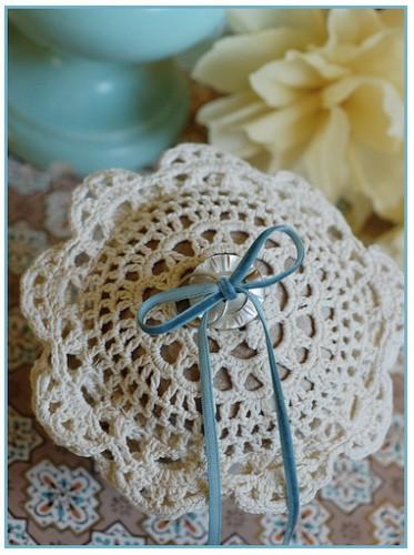 Diy crochet ring bearer pillow once wed for Diy ring bearer