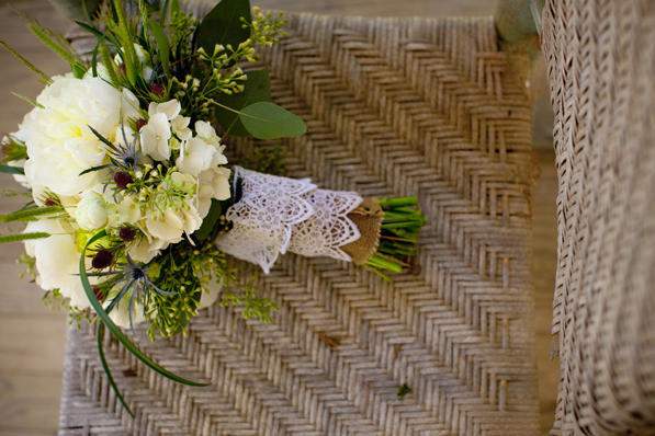 rustic-farm-wedding-bouquet