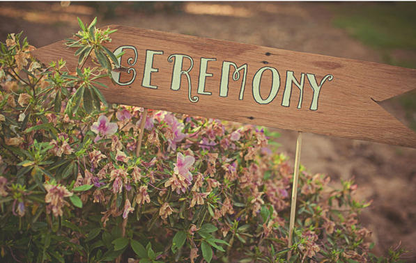 wooden-ceremony-signs