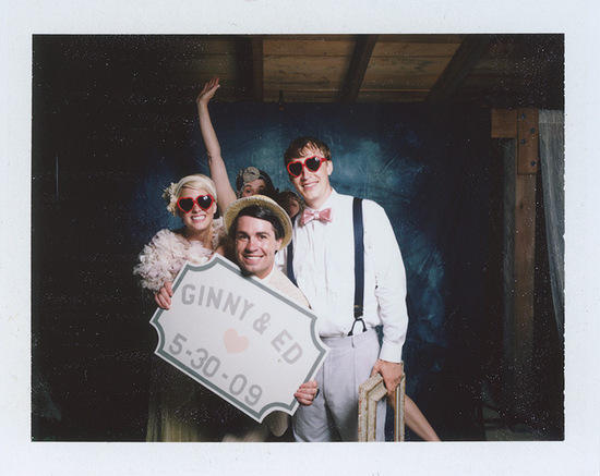 vintage-wedding-photobooth