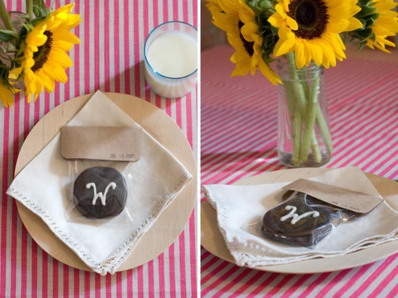 DIY Moon Pie Wedding Favors