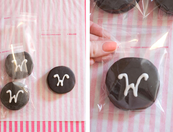 moon-pie-wedding-favors