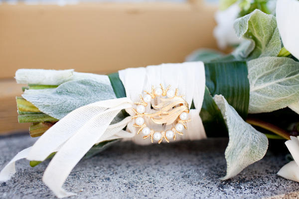 broach-wedding-bouquets
