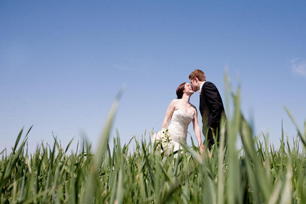field-wedding-photos