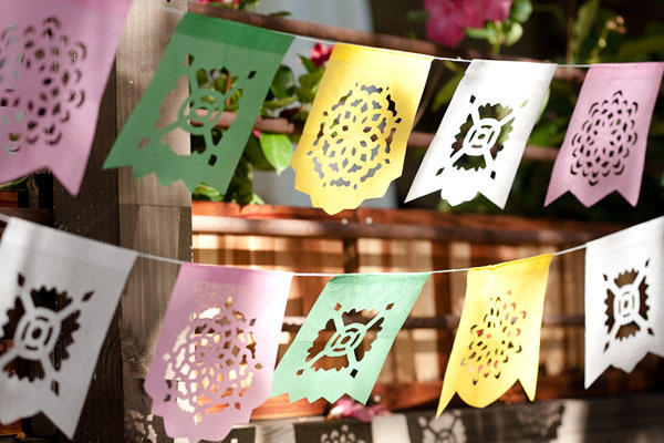 paper-wedding-banners