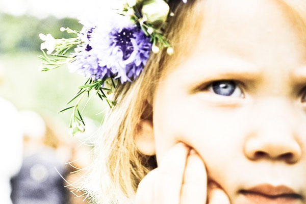 blue-flower-girl-wreaths
