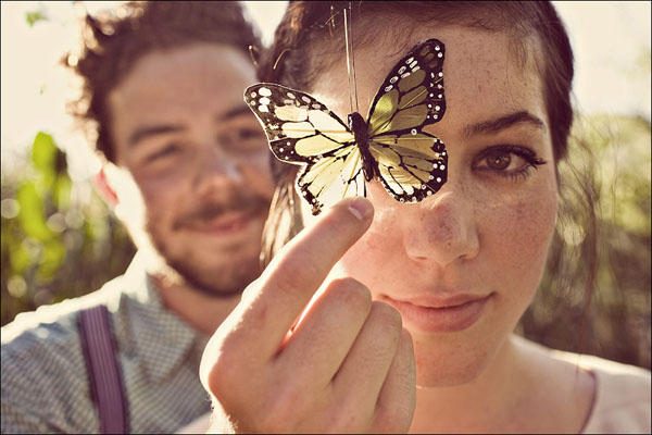 butterly-engagement-session