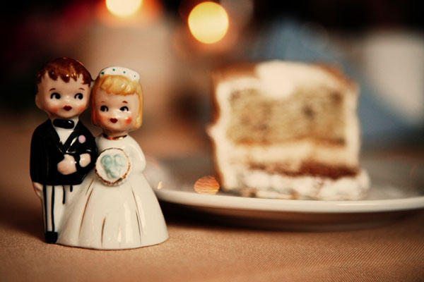 vintage-wedding-caketoppers