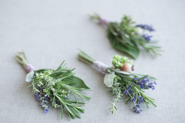 Diy herbal wedding boutonnieres once wed diy wedding boutonniere junglespirit Images