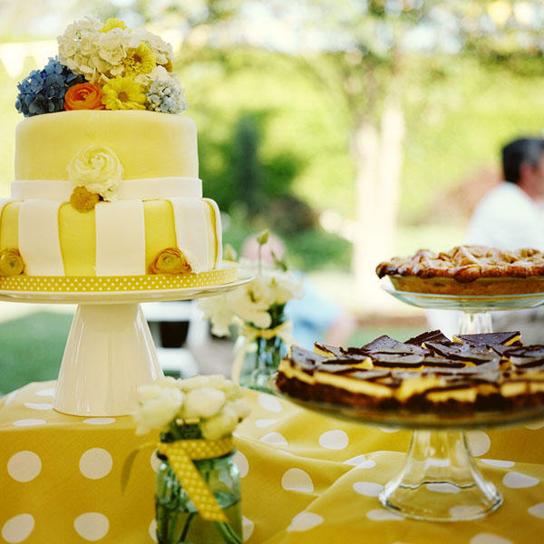 yellow-wedding-cake