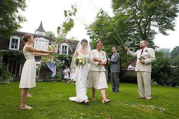 A new york garden wedding once wed for Outdoor wedding venues ny