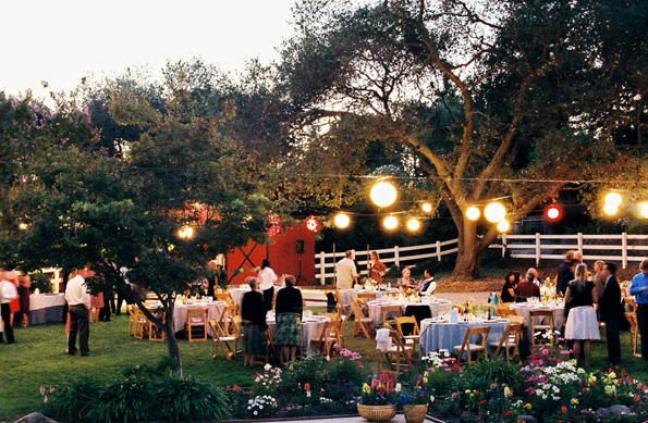 backyard-wedding-centerpieces1