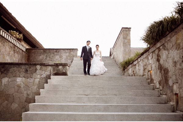 Bali Bride Groom Stairs