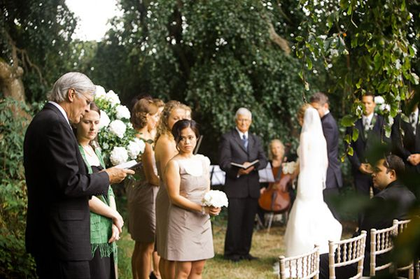 outdoor-ceremony-officiant