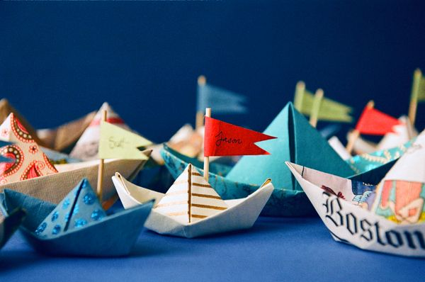 Paper Boat Escort Table 2