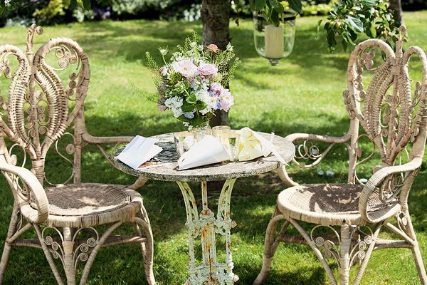 Edwardian Wicker Garden Seating