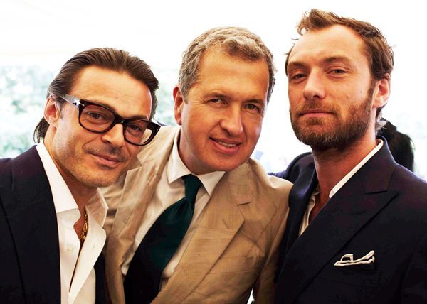 Oh Wedding Guests Mario Testino Jude Law