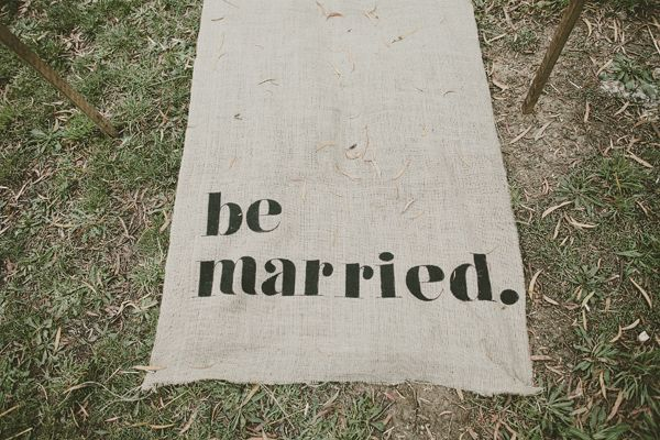 Burlap Wedding Runner Ideas
