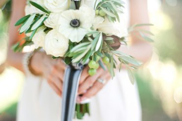 White And Green Wedding Bouquet Ideas