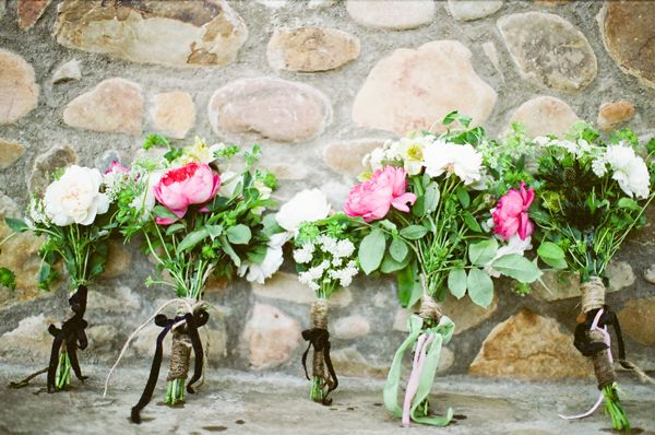 wildflower-wedding-bouquets-2