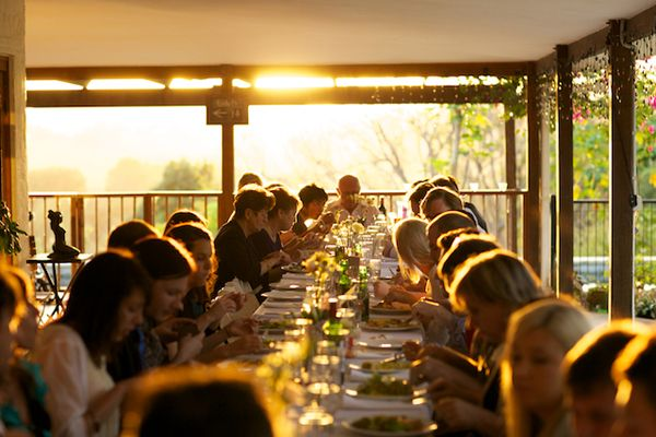 long-wedding-dinner-table