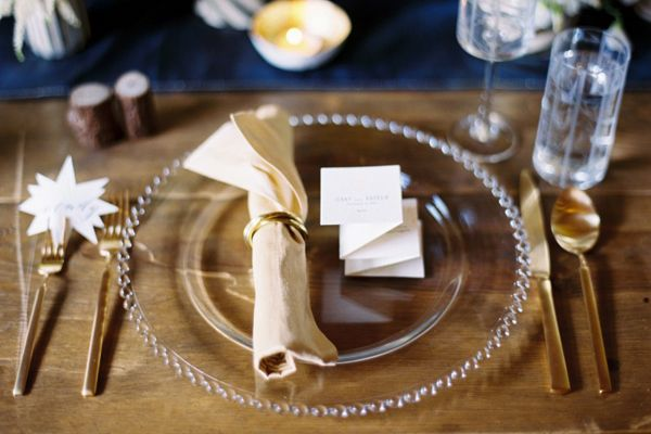 Unique Gold Wedding Ideas