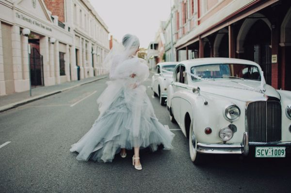 bride-blue-white-tulle-classic-car