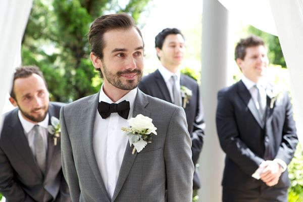 groom-as-bride-walks-aisle
