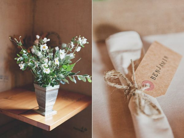 simple-white-flower-arrangement-diy-stamped-napkin-tag
