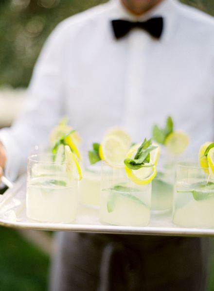 lemon-wedding-drink-ideas