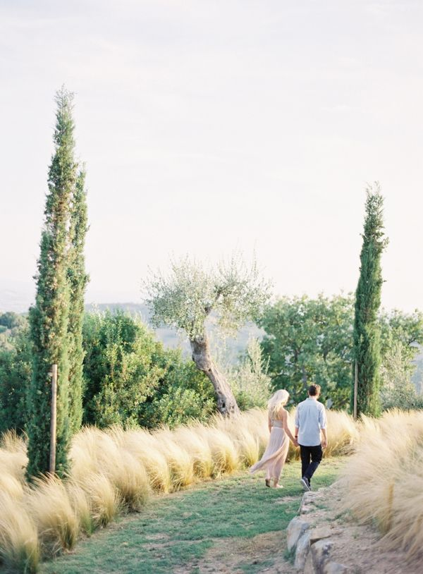Engagement Shoot Jose Villa Couple Neutral Italy Field