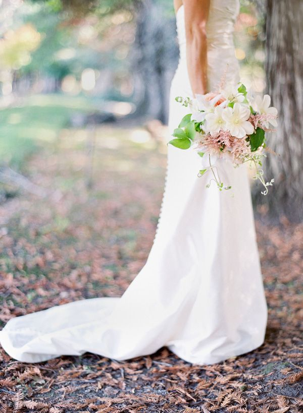 bride-wedding-dress-outdoor-ceremony-woods-bouquet-1