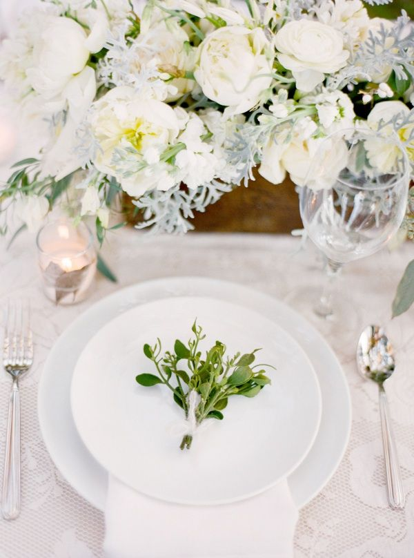 Magnolia Plantation Charleston Winter Wedding Table Setting Plate Decoration