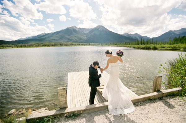 rustic-mountainside-wedding-couple-lake-1