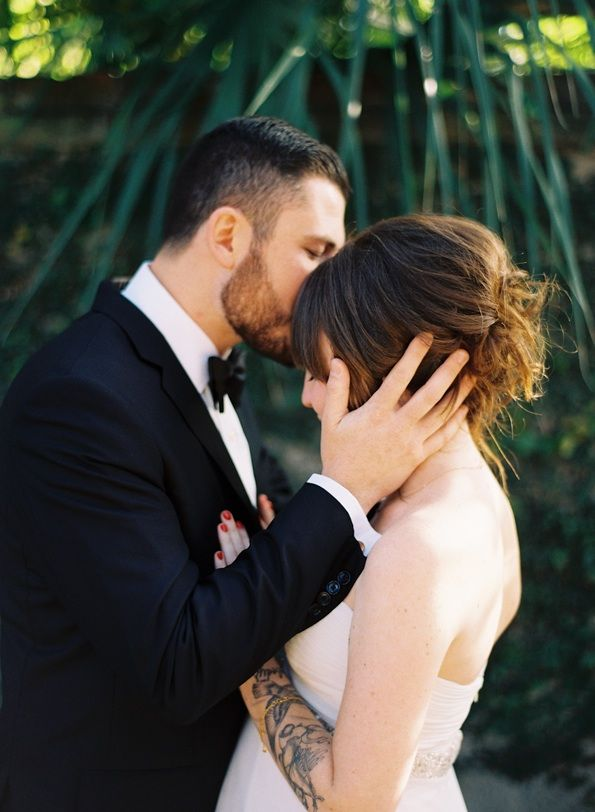 Charleston Outdoor Wedding Bride Groom Kiss Tatoo