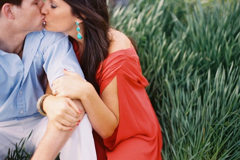 Engagement Photo Kiss Grass Coral Blue