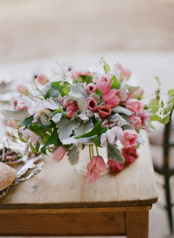 Elopement With A Carefree Spirit Pink Red Green Flower Centerpieces