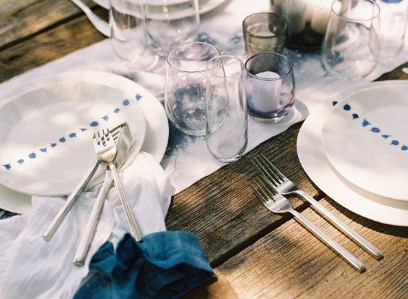 hand-dyed-table-runners-napkins-blue-farmtables