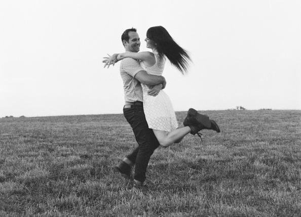 farm-fresh-engagement-black-white-field-rustic-spin
