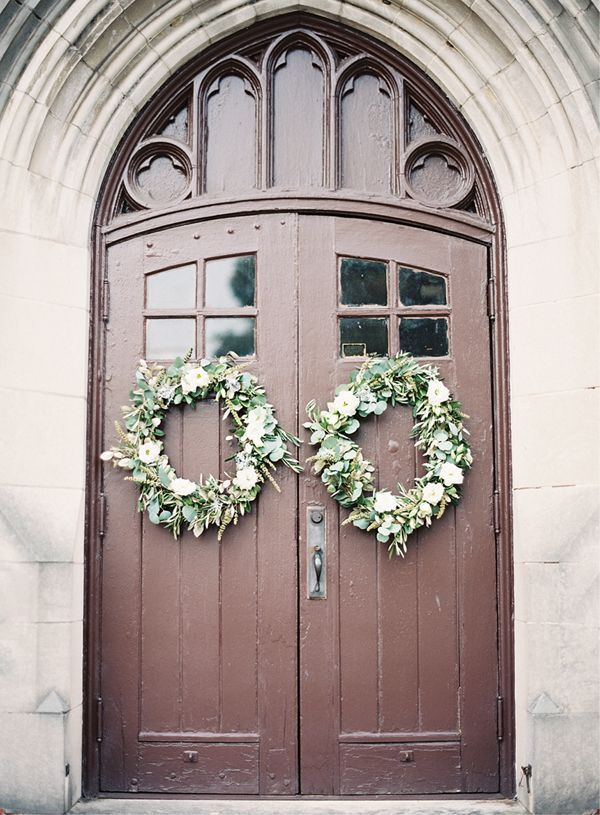 Wedding Ceremony Wreath Ideas