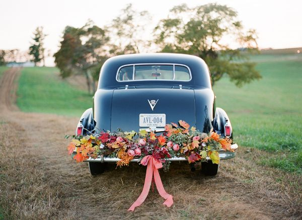 wedding-black-rolls-royce-fall-leaf-garland-bow