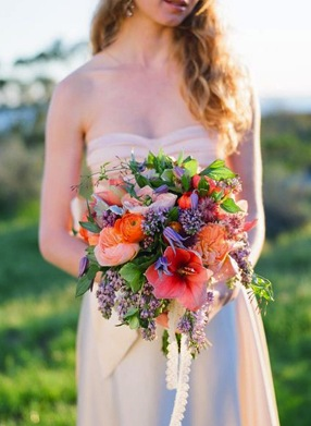 coral and lilas wedding flowers