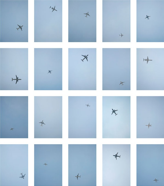 airplanes in flight