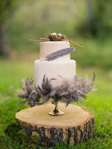 birds nest feather wedding cake