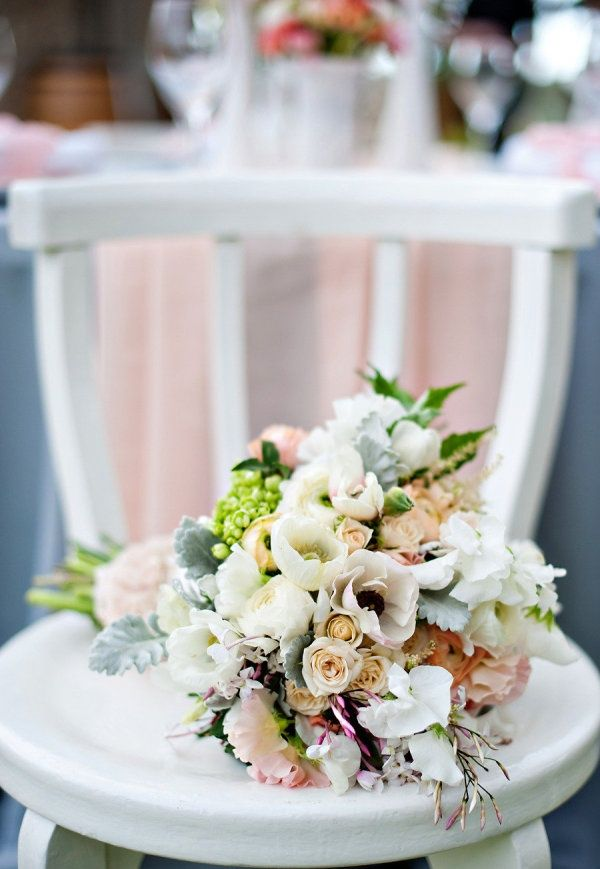 bouquet chair white green pink