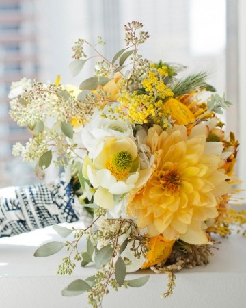 bouquets yellow green