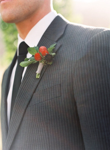 boutonnieres red berry