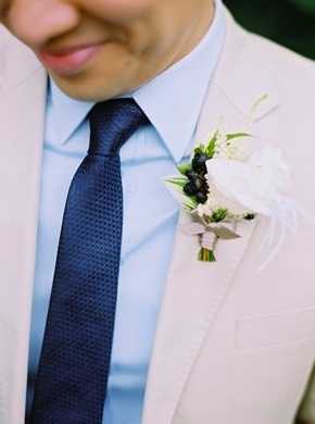 boutonnieres-white-rose
